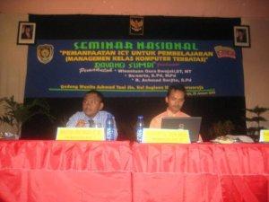 Sebagai pembicara dalam seminar pemanfaatan ICT untuk pembelajaran