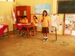 Siswa mempresentasikan hasil proyeknya di depan bapak/ibu guru serta semua siswa SD Jetis II — di Gunung Kidul.